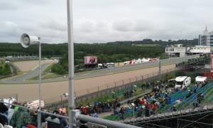 Motorradrennen am Sachsenring - Benzin, Gummi, Geschwindigkeit!