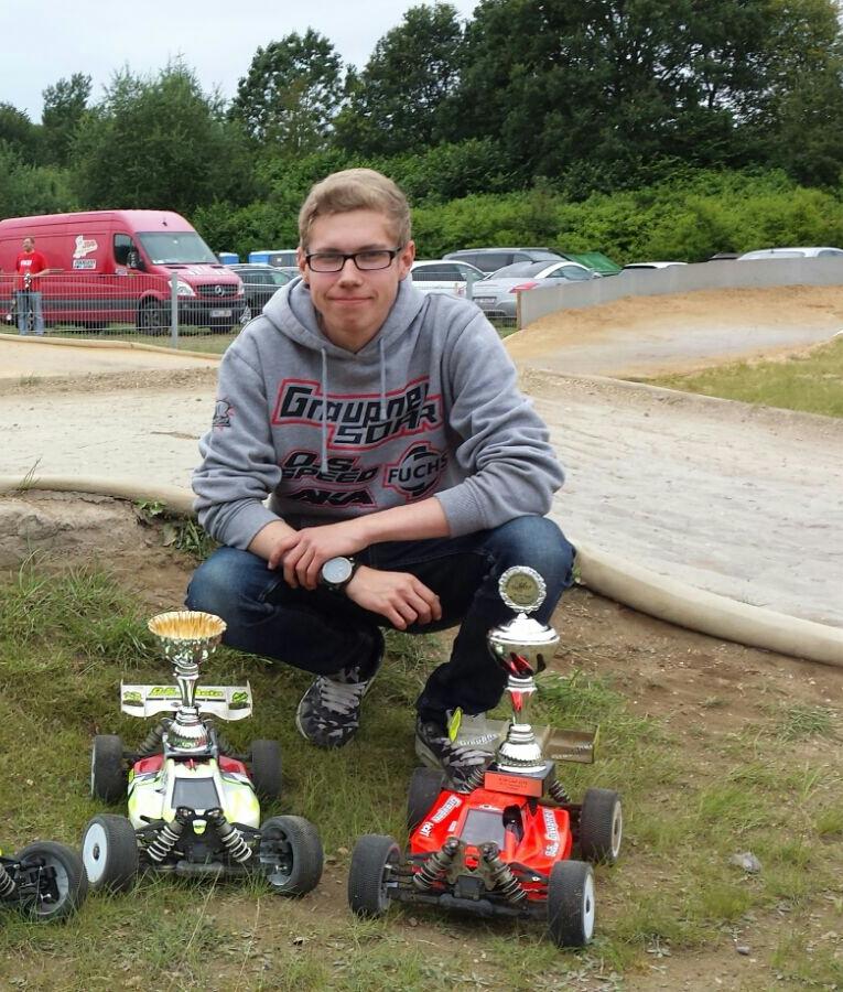Marcel im Motorrad Blog mit seinen Siegerautos