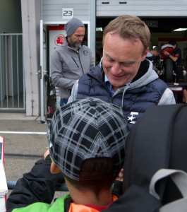 Ralf Waldmann gab Autogramme.