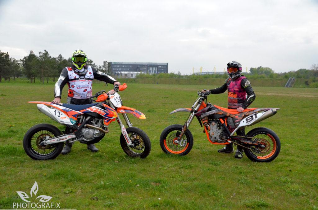 Supermoto Racing Team der Biker Street Scene