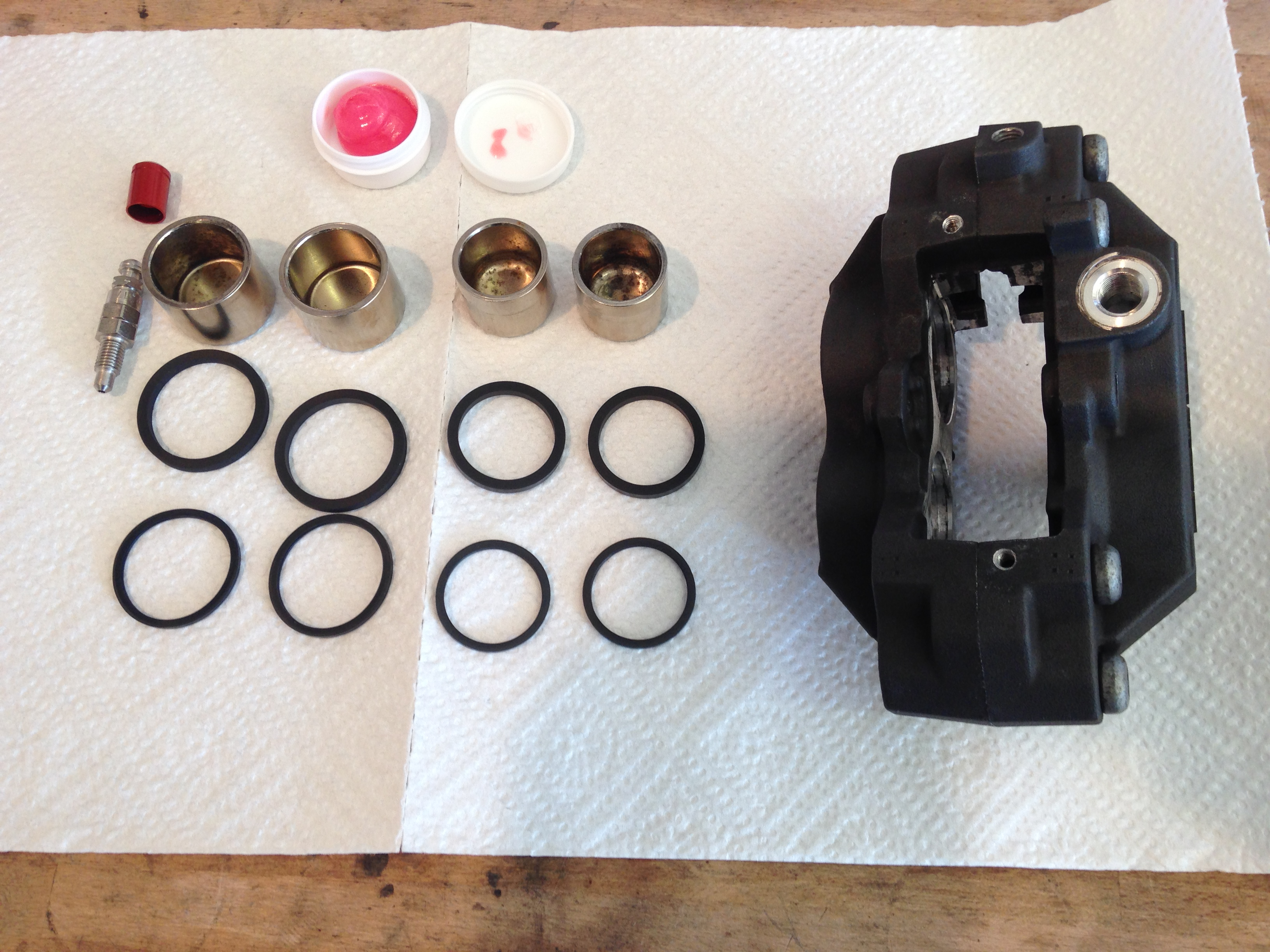 diy bremssattel reparatur motorrad blog. Black Bedroom Furniture Sets. Home Design Ideas
