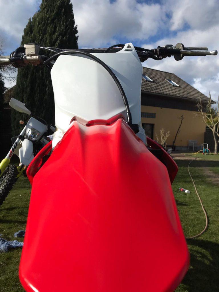 Bikepflege - Auch die vorderen Plastics glänzen wiederm