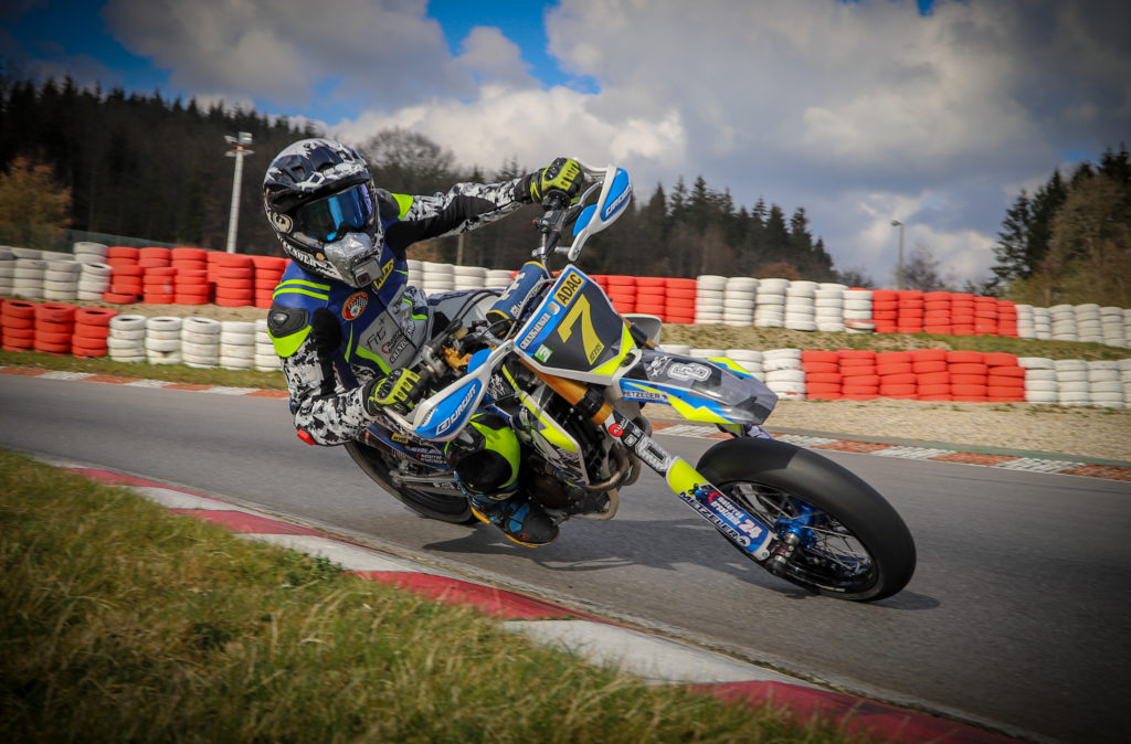 Supermoto IDM Auftakt in Harsewinkel - KEV95 in Schräglage
