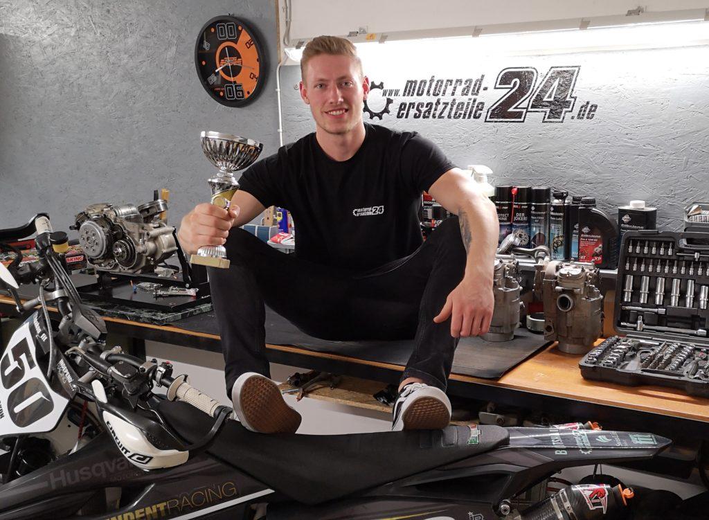 Haakon mit seinem P1-Pokal!