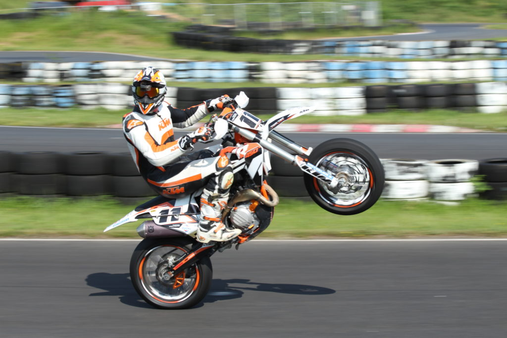 sumo_fighters Wheelie
