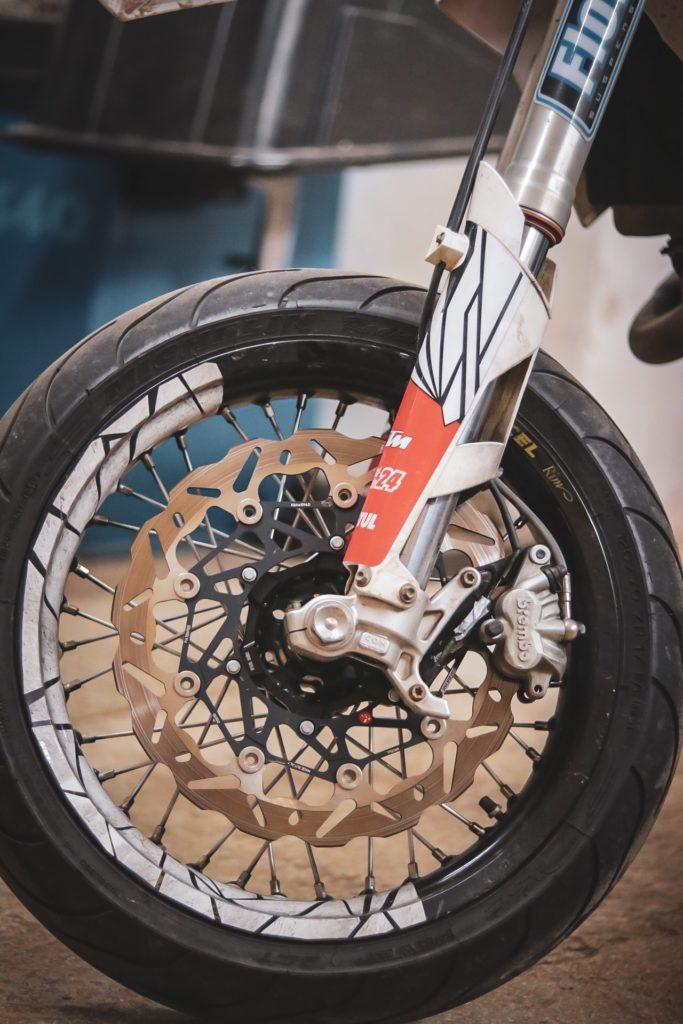 Braking Wave 320er Bremsscheibe auf KTM EXC 450